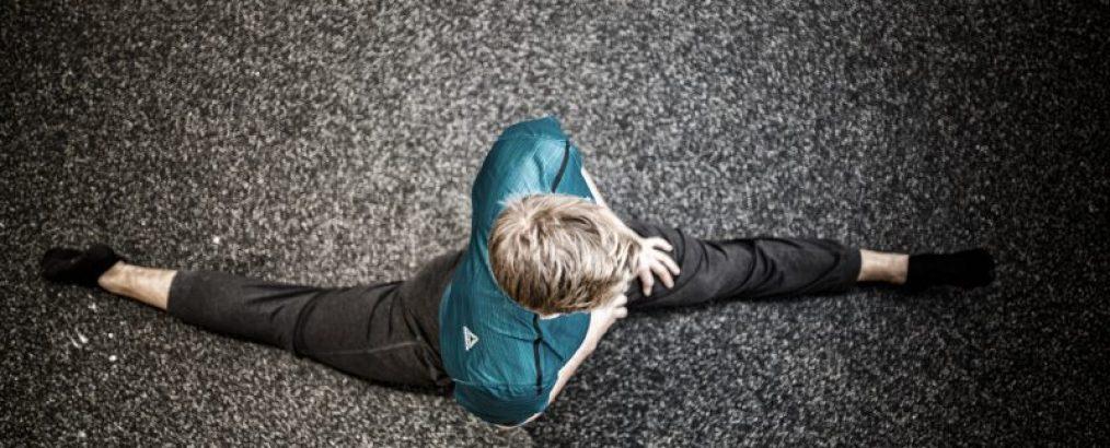 Niels' training går i split og viser udstrækningsøvelser