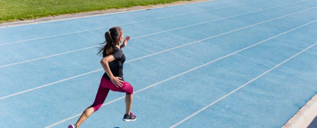 motionist laver løb og intervaltræning for at tabe sig.