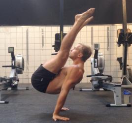 Core træning og core øvelser for en stærk rygsøjle.