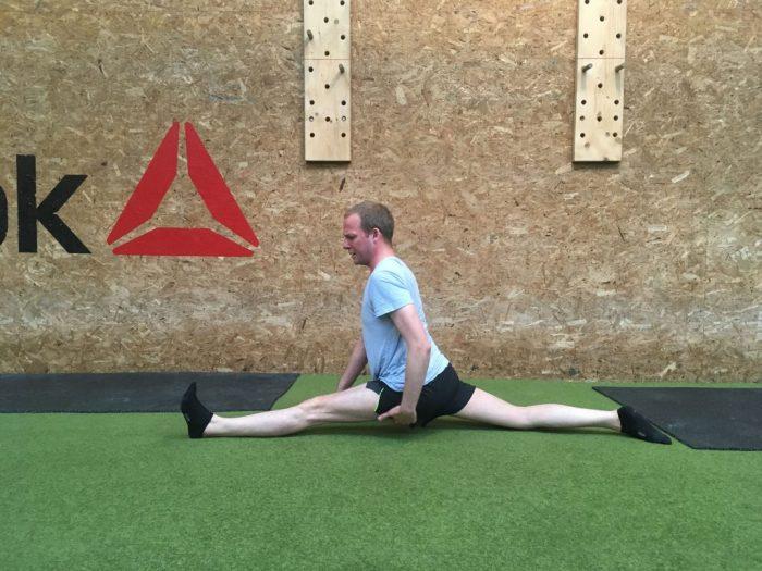 Smidighedstræning - Lær at gå i spagat med smidighedsøvelser for haserne og hoftebøjerne-min