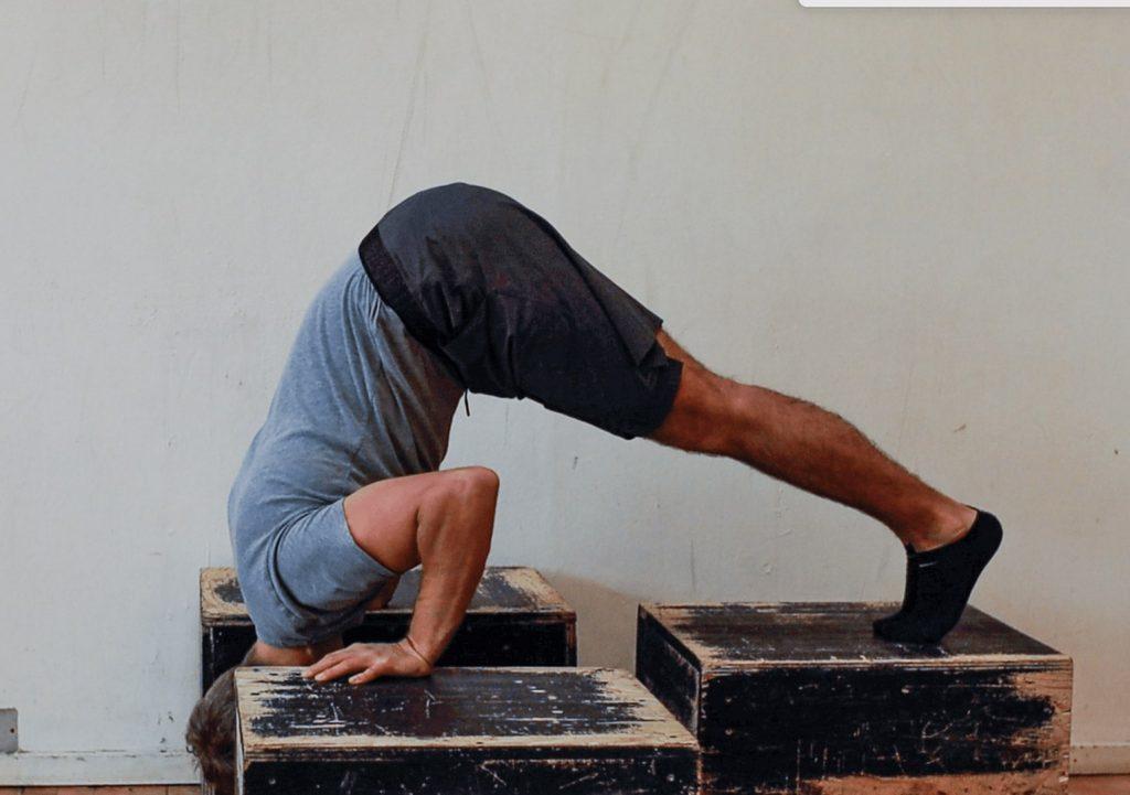 skalering til handstand push ups